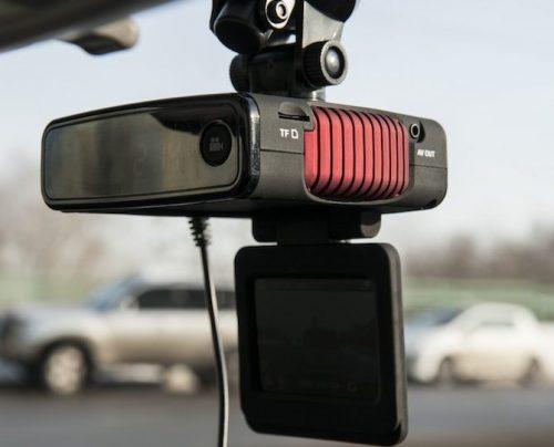 видеорегистратор с антирадаром Highscreen