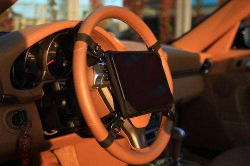 держатель для планшета на руль