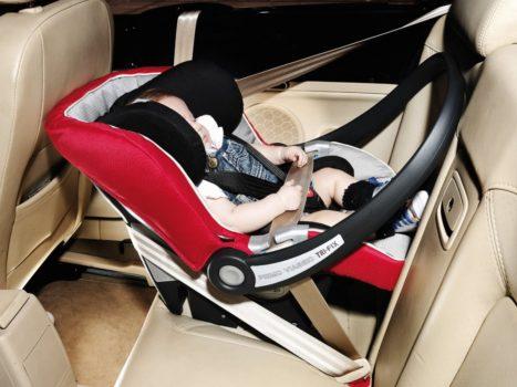Как крепить автолюльку для новорожденных в машине